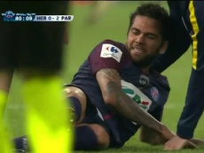 Alves came off injured with four minutes left to play. Screenshot
