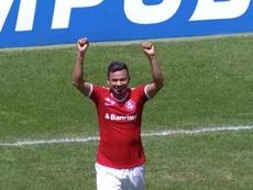 Lindoso comemora o gol da vitória do Internacional contra a Chapecoense. Captura/Premiere