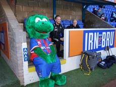 Este es Lionel Nessie, la nueva mascota del Inverness. Twitter/ICTFC
