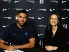 Loftus-Cheek renovou com o Chelsea até 2024. ChelseaFC