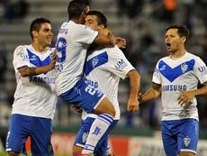 Vélez tendrá una difícil salida ante Talleres de Córdoba. EFE