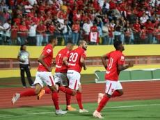 Vila Nova da el primer golpe desde los once metros. VilaNovaFC