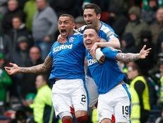 Los jugadores del Glasgow Rangers celebran el pase a la final de la Copa de Escocia tras eliminar al Celtic de Glasgow en la tanda de penaltis. AFP