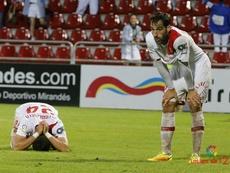 Los jugadores del Mallorca, desolados, lamentan el descenso a Segunda B en Miranda. LaLiga