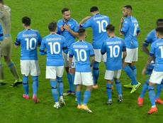 I giocatori del Napoli indossano la '10'. MovistarLigadeCampeones