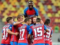 Los jugadores del Steaua de Bucarest celebran un gol. SteauaFC