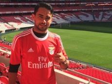 Lucas Lima Linhares, 'Luquinhas', posando con la camiseta del Benfica. SLBenfica