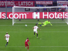 Ocampos put Sevilla ahead. Screenshot/MovistarLigadeCampeones