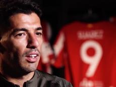 A primeira longa entrevista de Suárez no Atlético de Madrid. Captura/AtléticodeMadrid