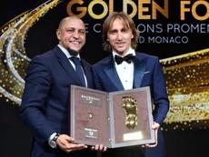 Modric ganha outro prêmio. Twitter/GoldenFoot