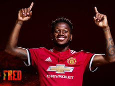 Fred oficializado no Manchester United. Twitter/MNU