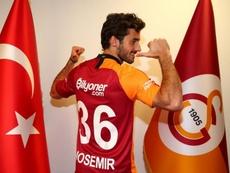 Saracchi chega no Galatasaray.  Twitter/GalatasaraySK