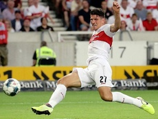 Mario Gómez también golea en Segunda y el Stuttgart es el primer líder. Twitter/VfB