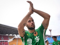 Mario Suárez relató su infierno en China.  Twitter/MarioSuarez4