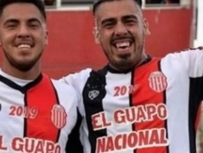 Matías Tapia (d), hijo del 'Chiqui' Tapia, se retira a los 23 años. BarracasCentral