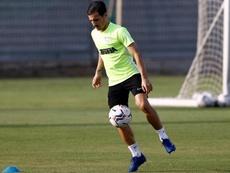 El lateral zurdo hizo la primera parte de la sesión con el grupo. MálagaCF