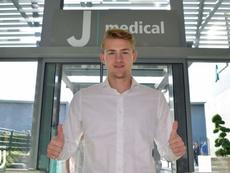 Matthijs de Ligt passe sa visite médicale à Turin. Twitter/Juventusfc