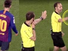 El VAR miraba si le habían hecho penalti y Messi dijo que no. Captura/Cuatro