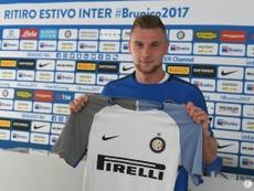 Milan Skriniar, en su presentación como nuevo jugador del Inter. FCInternazionale