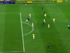 Suarez scored the second goal in the first half. Screenshot/FCBarcelona