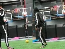 Arturo Vidal, 'King' del 'fut-basket' en las redes. Capturas/KIngArturo23