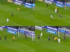 ¡Desesperante! El gol interminable que necesitó cuatro remates. Capturas/Movistar+
