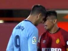 Morata e Xisco se desentendem durante partida do campeonato espanhol. Captura/Movistar