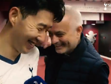 Mourinho teased Son. Captura/SpursOfficial
