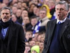 Mourinho quebrará as regras para abraçar Ancelotti.  AFP