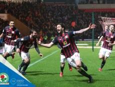 El capitán anotó el gol del ascenso. Twitter/Rovers