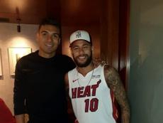 Neymar et Casemiro dînent ensemble après le Real-PSG. RestauranteDeMaría