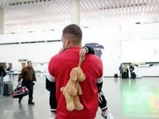 Nico Castillo tuvo que despedirse de su hijo. Instagram/castillo30