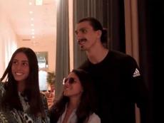 ¿Ibrahimovic o un jugador de baloncesto? En Miami no lo tienen claro. Captura/FCBayernES