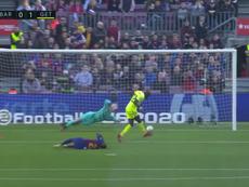 Une faute de Nyom sauve le Barça du 0-1. Capture/MovistarLaLiga