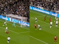 La double occasion incroyable de Liverpool en début de match. Capture/DAZN