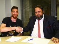 Olympiacos compra a José Sá. OlympiacosFC