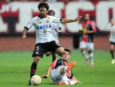 Otávio deja el fútbol sudamericano y firma con el Girondins. Girondins