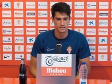 Pablo Pérez celebró su continuidad en Gijón. RealSporting