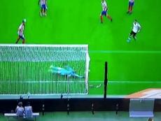 Oblak paró el segundo gol del Valencia. Captura/Movistar+