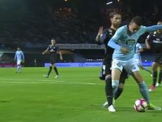 Ramos ejerció contacto con el delantero. Twitter