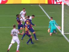 Coutinho passeur et double-buteur contre le Barça. Capture/MovistarLigadeCampeones