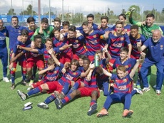 El infantil del Barcelona consoló a su rival en la final de la World Challenge Cup. FCBarcelona