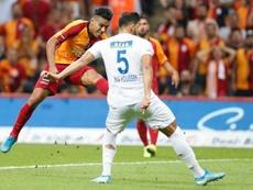 Falcao volta aos treinamentos após lesão. Twitter/GalatasaraySK