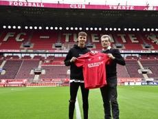 Rafik Zekhnini, nuevo jugador del Twente. Twitter/FCTwente
