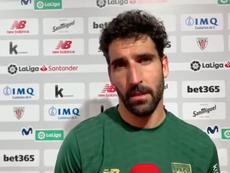 Raúl García, enfadado con las pérdidas de tiempo. Captura/AthleticClub