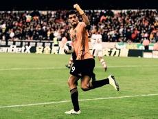 Raúl Jiménez igualó de penalti. Twitter/Wolves