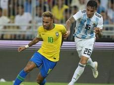 Renzo Saravia podría irse a Boca. AFP