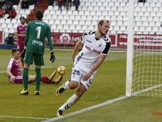Roman Zozulia celebra uno de sus goles ante la desesperación de Masip y Calero. LaLiga