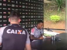 Rómulo Otero fue interrumpido en plena rueda de prensa. Captura/TVGalo