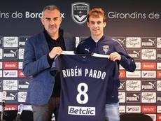 Rubén Pardo fue presentado con el Girondins. Girondins